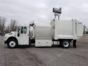 2011 FREIGHTLINER BUSINESS CLASS M2 112 6185526033