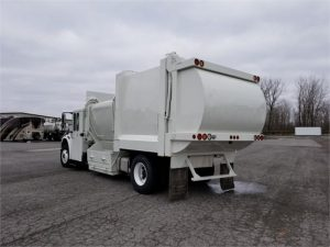 2011 FREIGHTLINER BUSINESS CLASS M2 112 6185526037