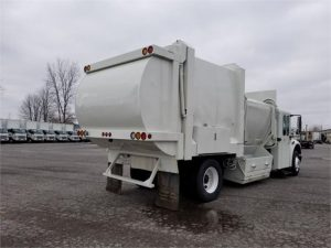 2011 FREIGHTLINER BUSINESS CLASS M2 112 6185526039